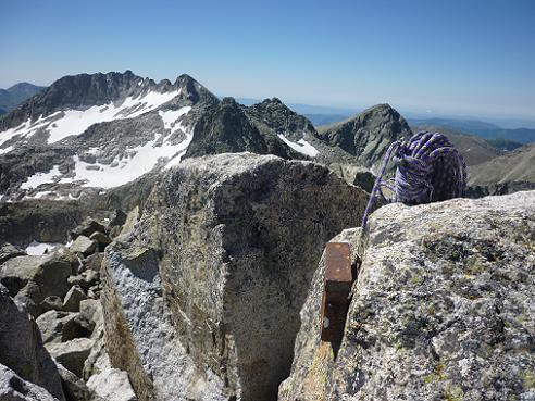 Départ du sommet du Besiberri Nord 3014 m, face au Comaloforno