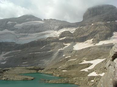 De la Brèche de Tuquerouye, Monte Perdido et son glacier