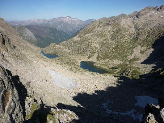 Du Coll de Ballibierna 2732 m, les ibons de Ballibierna et le Posets