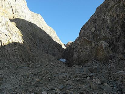 A 2650 mètres, entrée dans l'étroite Canal Fonda, il est 8 heures 15