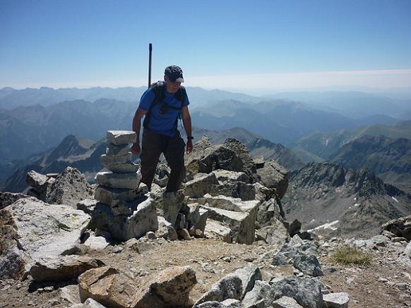 Arrivée au sommet de l`Antecima Sur Este Russell 3205 m