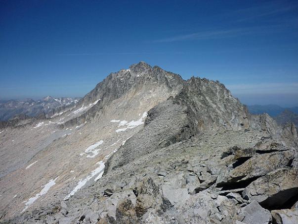 Du sommet du pico Russell 3207 m, le pico de Aneto