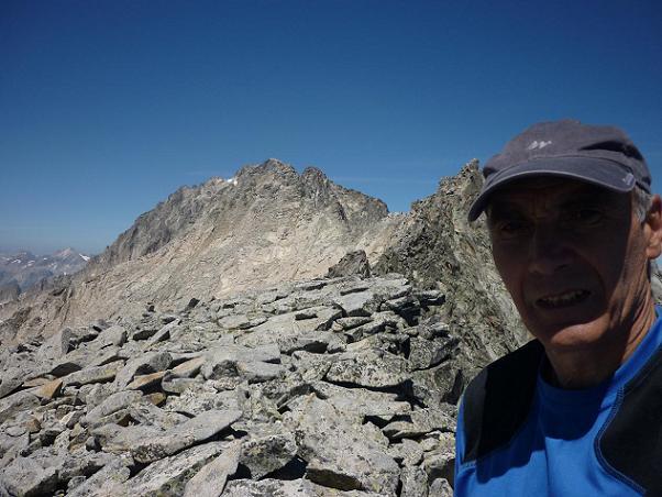 Du sommet de la Punta de la Brecha Russell 3192 m, le pico de Aneto