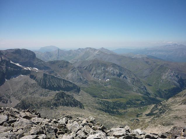 Du sommet de la Punta de la Brecha Russell 3192 m, le pico de Ballibierna
