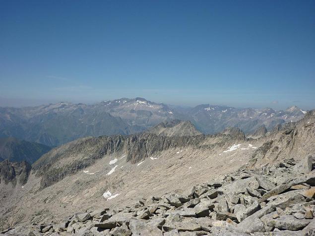 Du sommet de la Punta de la Brecha Russell 3192 m, le Posets, Schrader et Perdiguère