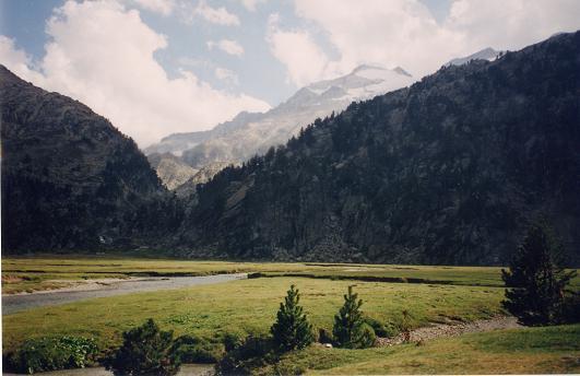 Du plan de Aiguallut, le pico de Aneto
