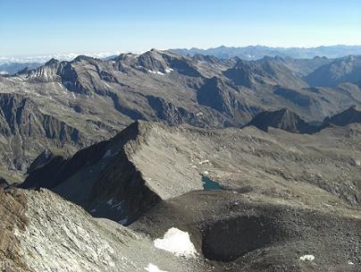 Du sommet du pico Posets, le pic Perdiguère