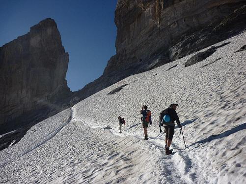Remontée du glacier de la Brèche de Roland