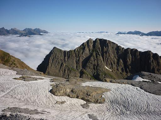 Depuis la Brèche de Roland 2807 m, le versant français et les Sarradets