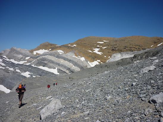 Contournement du Cilindro del Marbore par le Sud, le pic du Marboré dans le dos