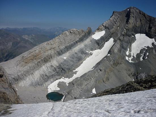 Du couloir Est du Cilindro, le Monte Perdido et le Pequeno Lago Helado