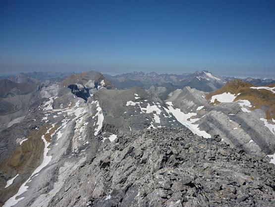 Du Piton SW del Cilindro, Le Taillon, le massif du Vignemale et les pics de la Cascade