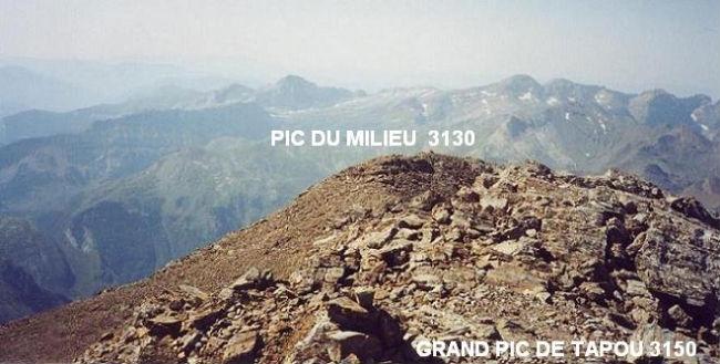 Du Grand pic de Tapou 3150 m, le pic du Milieu 3130 m par lequel je vais repasser