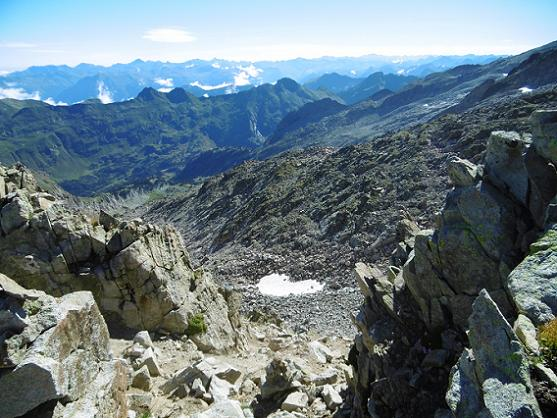 Retoiur à la Brèche (2935 m), il faut descendre vers le névé