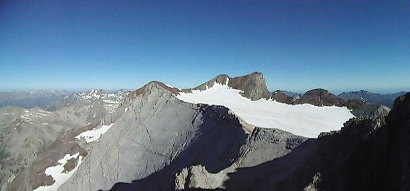Du sommet du Montferrat (3219 m), Marmolera et Vignemale