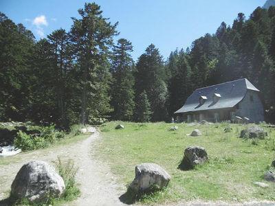Départ de la maison du Parc National de la Porte d`Arrens (1470 m)
