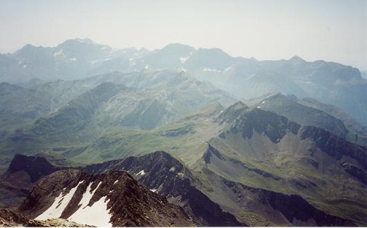 Du sommet du pic du Milieu le massif Gavarnie Monte Perdido