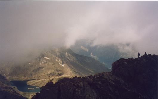 Du sommet du pic de la Munia, les lacs de la Munia
