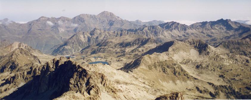 Du sommet du pic de Néouvielle, le pic du Midi de Bigorre
