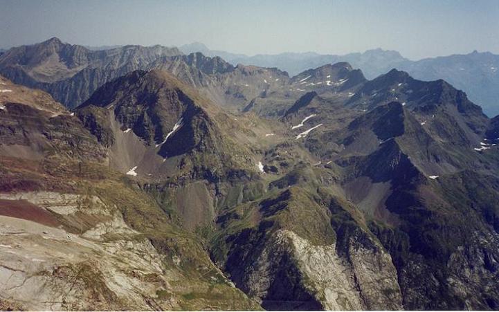 Du Grand pic de Tapou 3150 m, le massif de l Ardiden