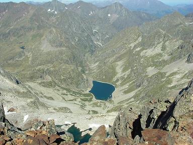 Du sommet du pic Occidental de Clarabide, lacs de Clarabide et de Pouchergues