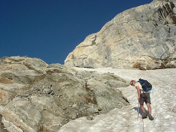 Les choses sérieuses commencent à l approche du glacier d Ossoue