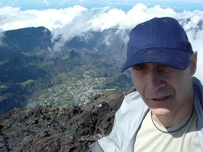 Clin d'Oeil sur Cilaos depuis le sommet Sud du Piton des Neiges