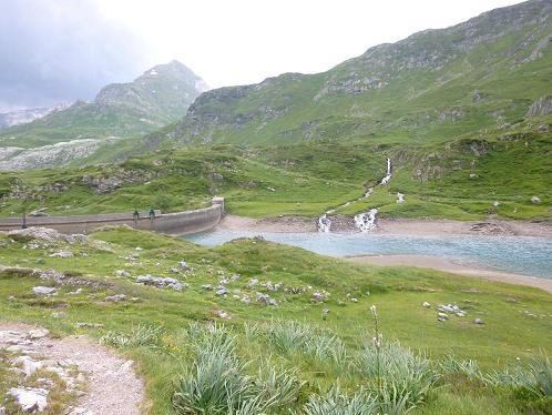 Retour au barrage d`Ossoue (1834 m)