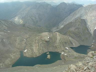 De la crête sommitale de la Robinera, les lagos de la Munia