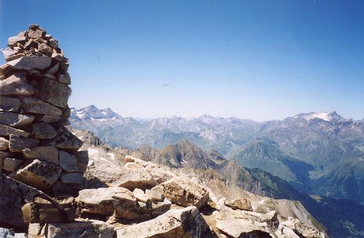 Du sommet du Turon de Néouvielle, Taillon et Vignemale