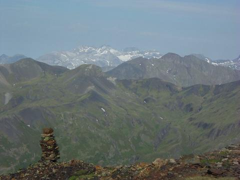 De la combe S-O du Gran Bachimala, le massif du Monte Perdido