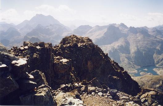 Du sommet de la Grande Fache, le Vignemale