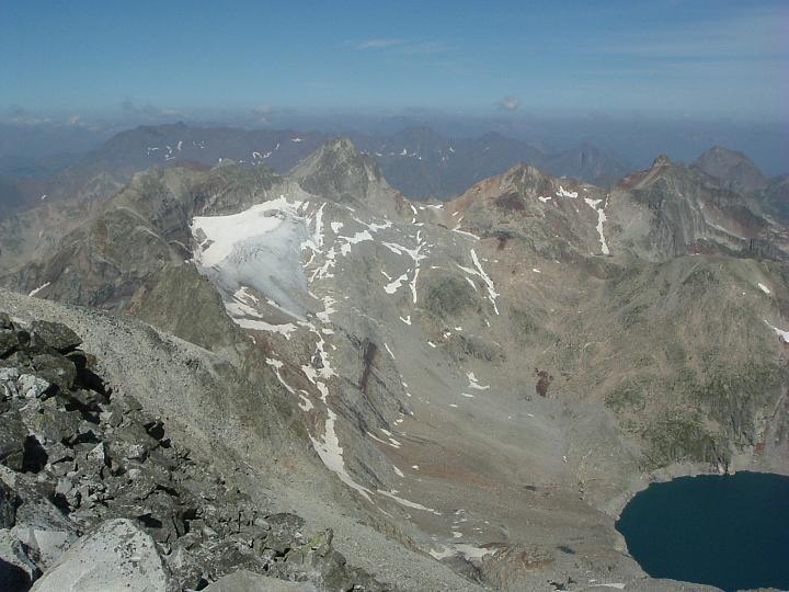 Du pic Perdiguère, Seil de la Baque, Gourgs Blancs et lac du Portillon