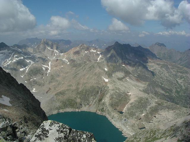 De la Pointe de Litérole, les pics Gourdon, des Spijeoles et le lac du Portillon