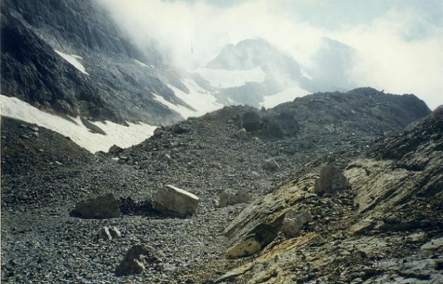 Du Pequeno Lago Helado, le couloir à remonter pour parvenir au sommet du Monte Perdido