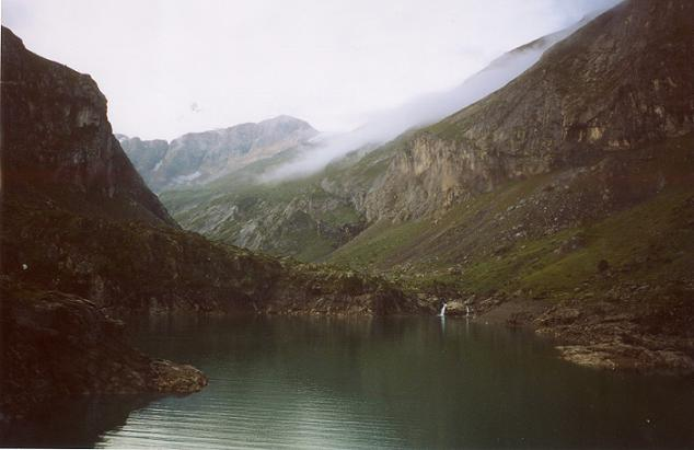 Du barrage des Gloriettes, la vallée d Estaubé