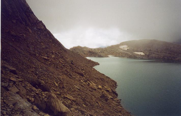 Passage au-dessus du lac Glacé du Marboré 2592 m