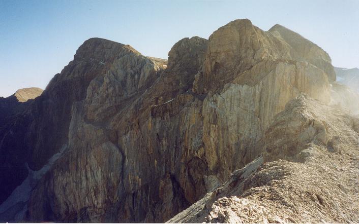 Du col de la Cascade 2931 m, Astazou, Marboré et pics de la Cascade