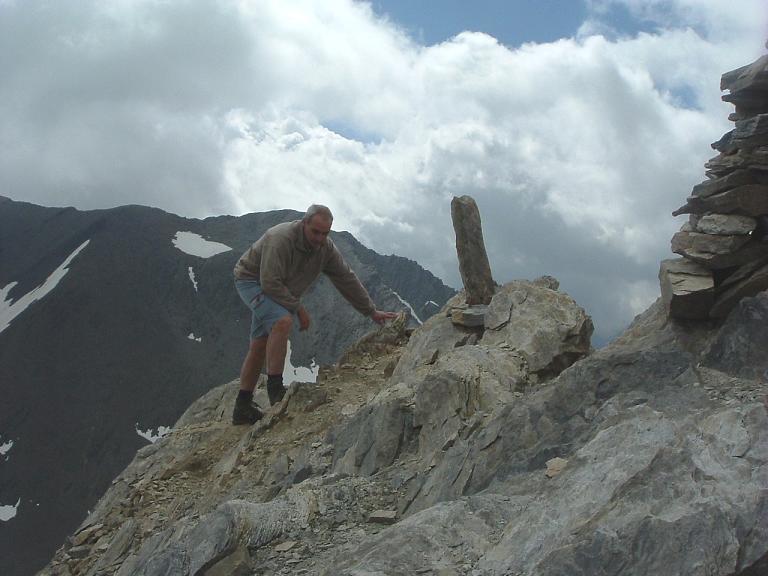 Arrivée au sommet du pic Maou (3074 m), pas un chat !