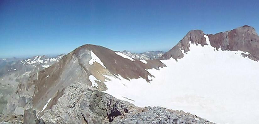 Du sommet du pic Central (3235 m), pics de Cerbillona et du Clot de la Hount
