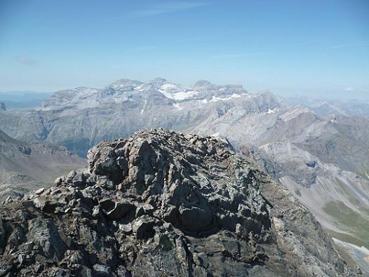 Du sommet du pic de la Munia 3133 m, le massif du Monte Perdido