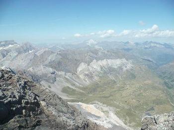 Du sommet du pic de la Munia 3133 m, Marboré et Vignemale