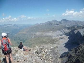 Du sommet du pic de la Munia 3133 m, les pics Long et Campbieil