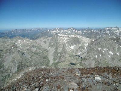 Du sommet du pic de Cerbillona (3247 m), Telera, Collarada, Garmo Negro, Infiernos, Ossau et Balatous