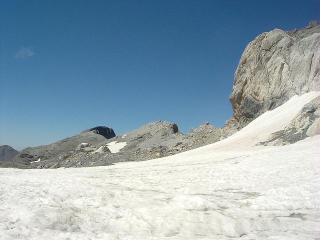 Retour au col de la Cascade 2931 m, la Tour est en vue