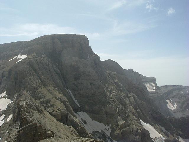 Du sommet du Petit Astazou 3012 m, les pics du Marboré et de la Cascade