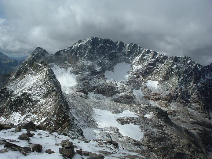 Du sommet du pic des Spijeoles, le pic Gourdon en alignement du pic Jean Arlaud, les pics des Gourgs Blancs, Pointe Lourde-Rocheblave, pics Camboué et Saint Saud