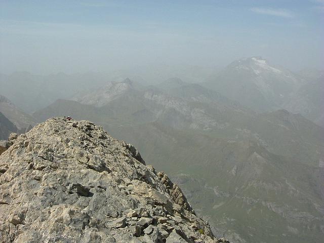 Du sommet du Petit Astazou, le Vignemale
