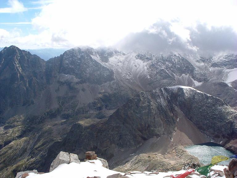 Du sommet du pic des Spijeoles, Quayrat, Lézat et le vallon Inférieur de Litérole enneigé