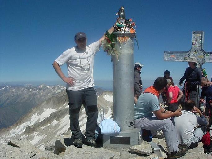 Pilar est là, la virgen del Pilar au sommet du pic d Aneto